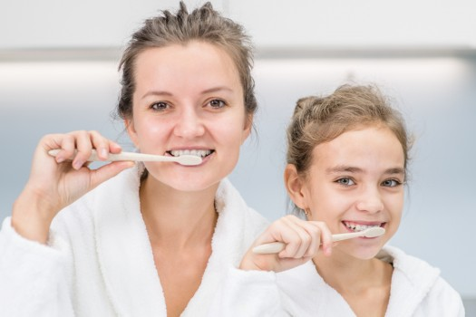 Se brosser les dents 3 fois par jour réduirait le risque de diabète. Pourquoi ? On n'en sait rien !